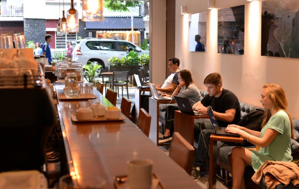 Cafe-Velvet-en-el-Poblado-Medellin-1.jpg