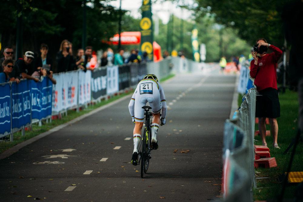 Annemiek Van Vleuten is World Champ for a reason winning the ITT