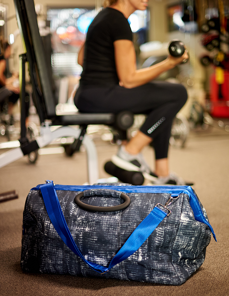 stylish gym bag for men and women