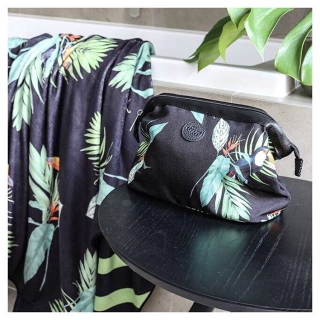 Don't settle for drab! We believe practical can be beautiful and definitely should be stylish.  Find us at @perthupmarket this Sunday 10-4pm with our full range of coordinating and versatile leisure bags, towels and cosmetic bags for all the places you'd rather be... beach, boat, getaways or simply relaxing with the family around the pool.  Say hi if you drop by. 😊