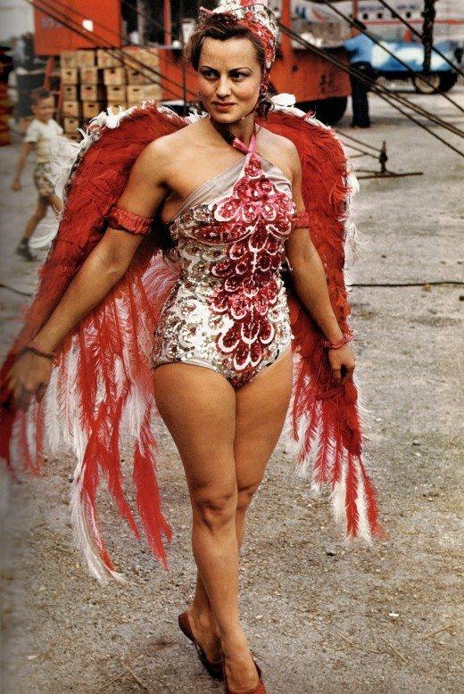 1-circus-showgirl-1950