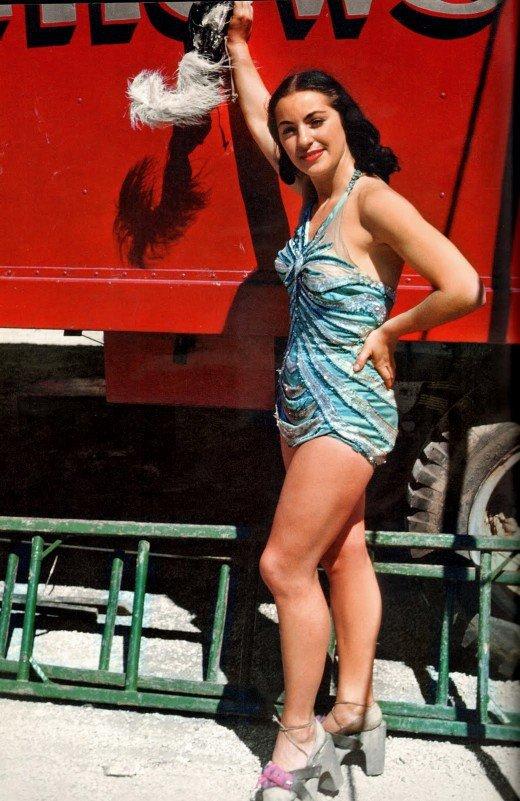 12-aerial-ballet-showgirl-1949