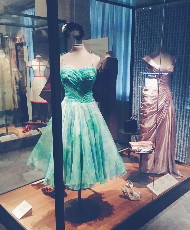 Tror aldrig at jeg bliver træt af Designmuseets kjoler