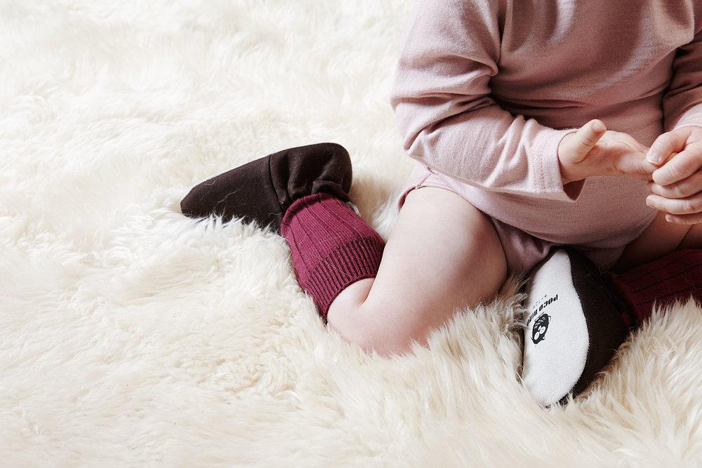 Poco_Nido_baby_black_shoes_386.jpg