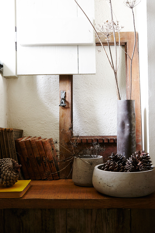 Modern_rustic-concrete_bowls-pine_cones.jpg