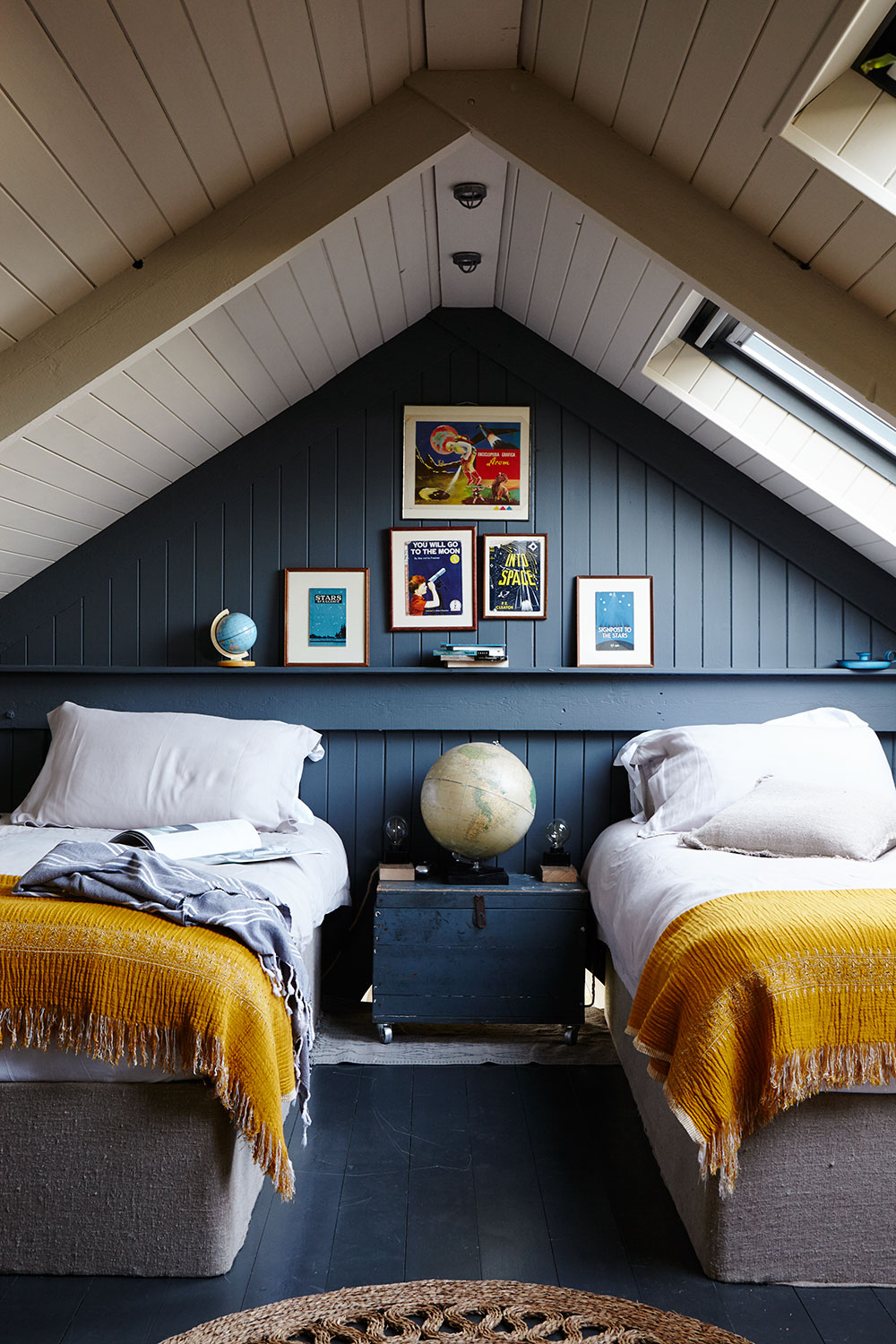 Modern_Rustic-twin_bedroom-teal.jpg