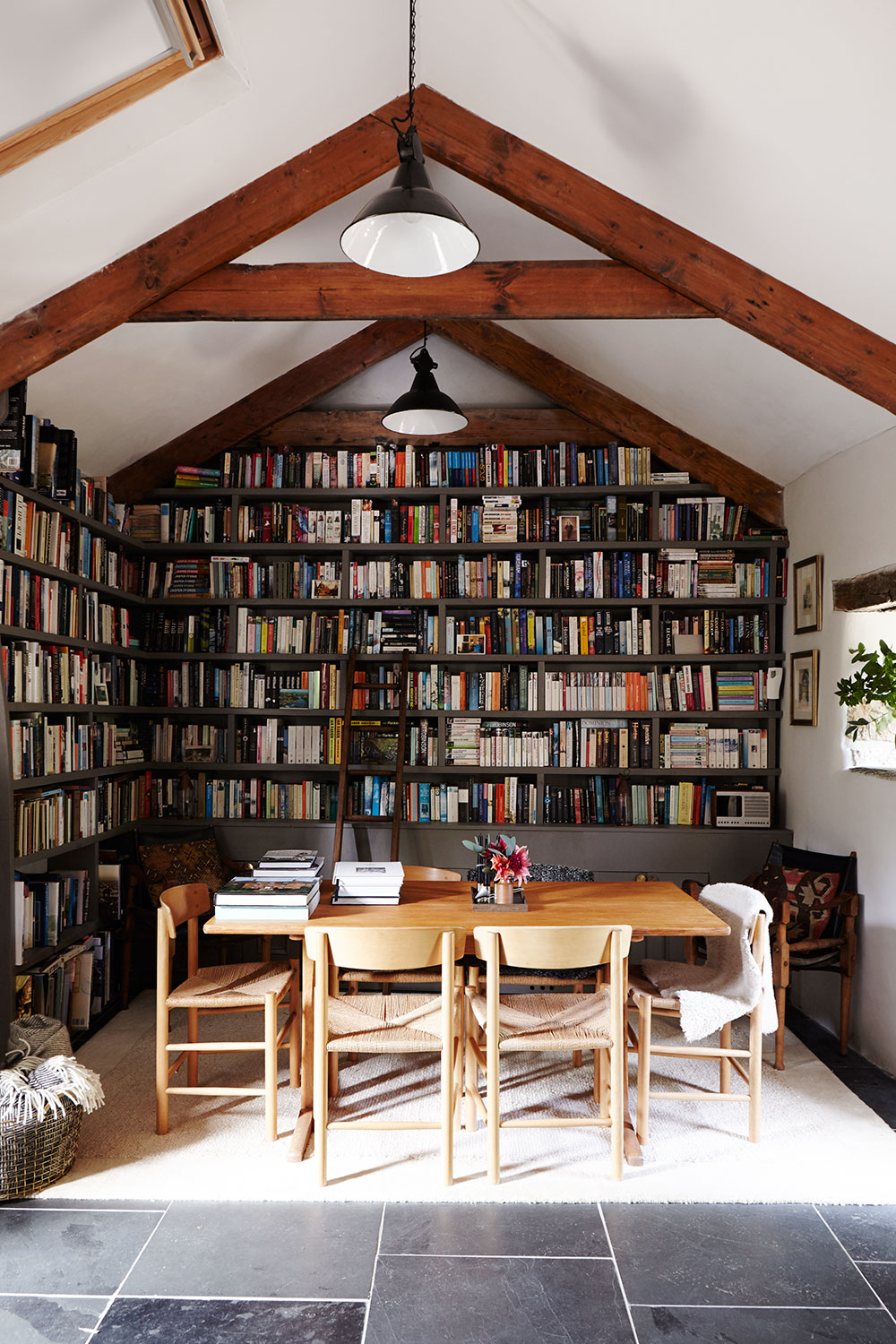 Cornish_barn_library.jpg