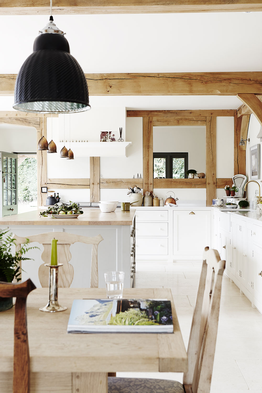 Timber_frame_country_kitchen.jpg
