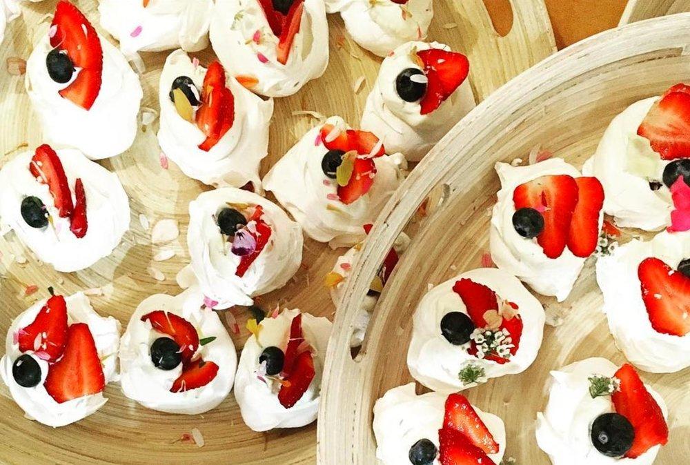 mini-meringues.jpg
