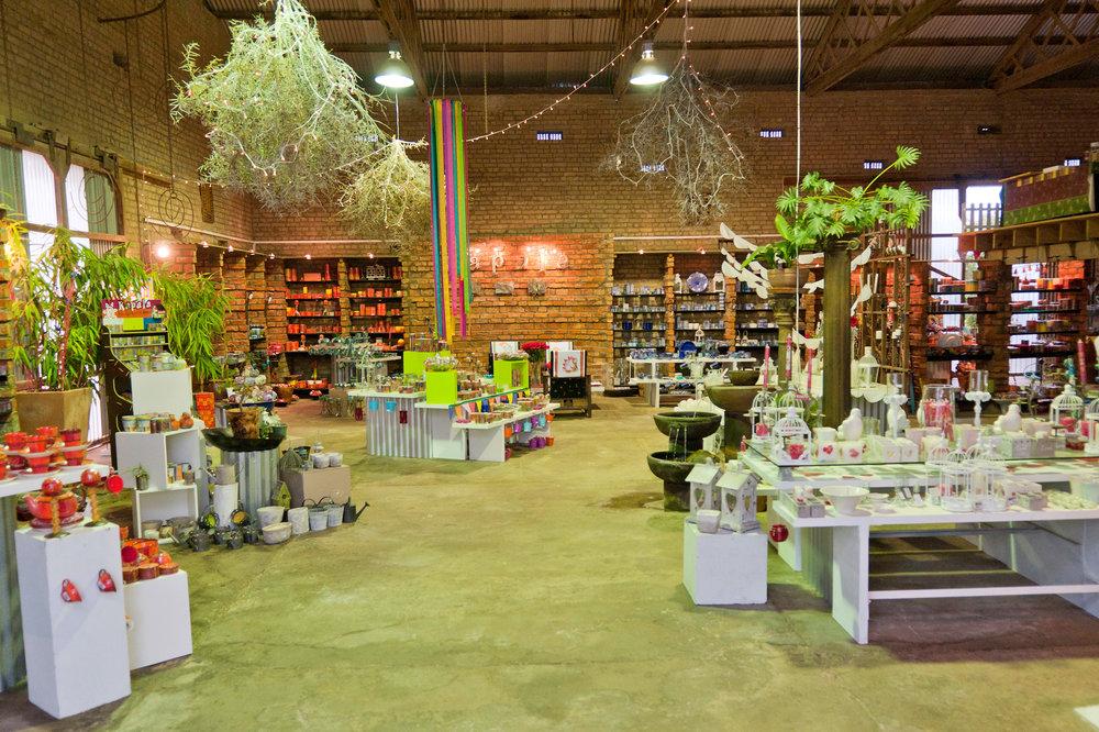 kapula-gallery-showroom-shop-handmade-candles-ceramics.jpg