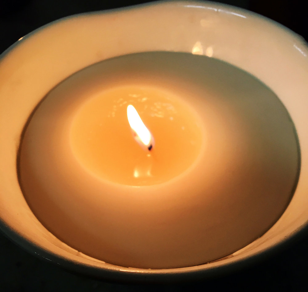 kapula-handmade-soy-candles-ceramic-bowl-burning.jpg