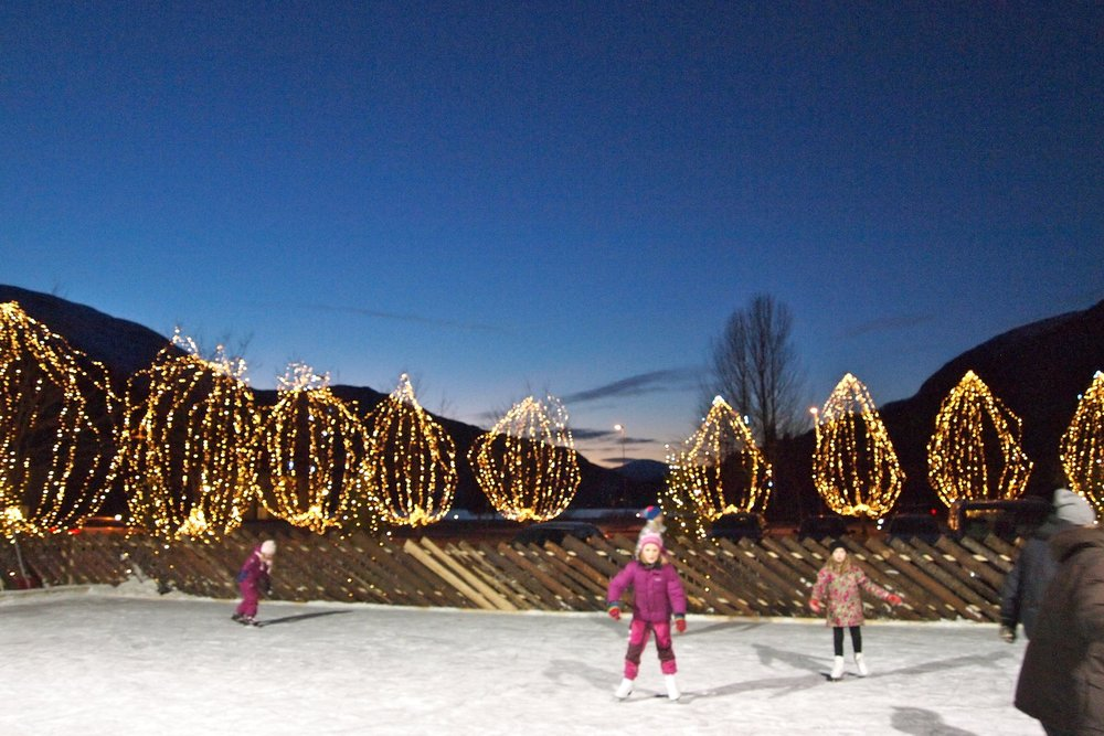 Ice skating - In the centre of Loen, next to Hotel Alexandra