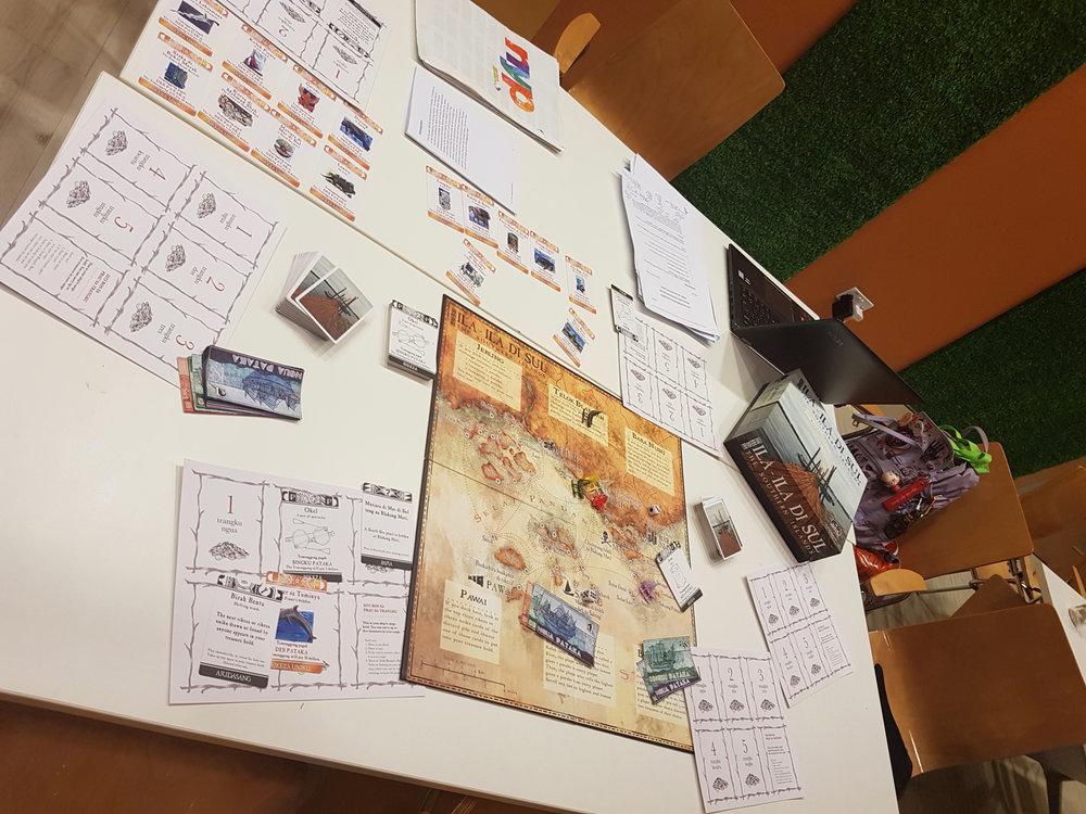 Ila-Ila-Di-Sul:  A bilingual board game designed to aid the learning of the Kristang language.