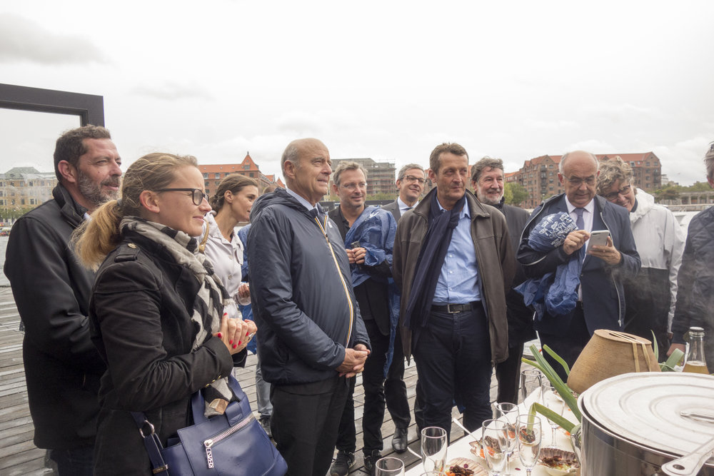 The Bordeaux delegation's bicycle tour of Copenhagen came of course with food prepared by Copenhagen's own cykelkøkken (bicycle chef).