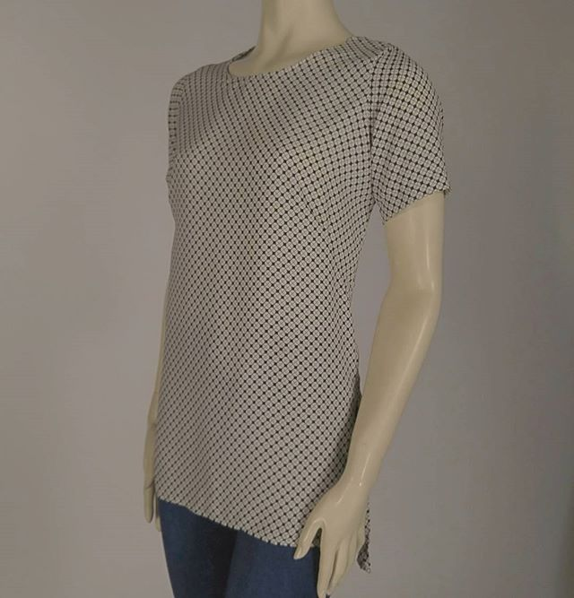 Professional T with added length #timelessdesign #workwear