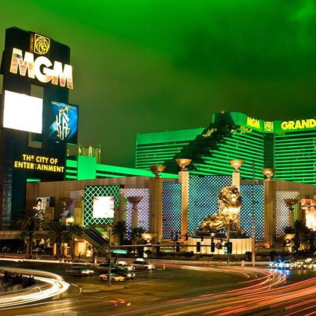 💲Vegas Baby!💲 📆4th November 2018 ✅4 Nights ✅MGM Grand £574 per person‼️ £75 per person deposit ✈️Heathrow flights ✅West Wing King room ✅Room only Call ☎️01472 897333☎️ for further details #lasvegas #vegasbaby #vivalasvegas #mgmgrand #america
