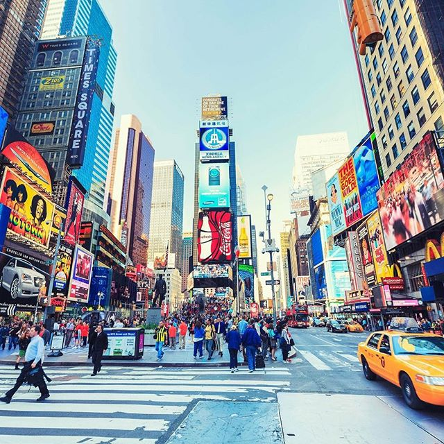 🇺🇸 New York Super Deal! 📆22nd February 2019 4 Nights ✅Edison Hotel £548 per person‼️ ✅Just £75 per person ✈️Direct Heathrow flights Based on 2 sharing  Call ☎️01472 897333☎️ for further details #newyork #bigapple #usa #edisonhotel @hoteledison