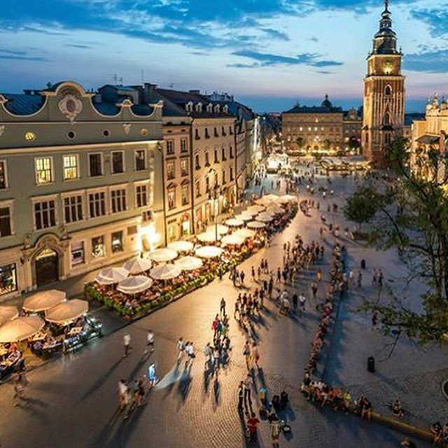 🇵🇱 Krakow including Auschwitz Tour 🇵🇱 📆7th September 2018 ✅3 Nights ✅Rezydent Hotel Bed & Breakfast ✈️Manchester Flights ✅Based on 2 sharing ✅Superior Double or Twin room ✅Price includes a morning tour of Auschwich and Birkenau 🔆£350 per person  Call ☎️01472 897333☎️ for further information #poland #kraków #auschwitztour #citybreak