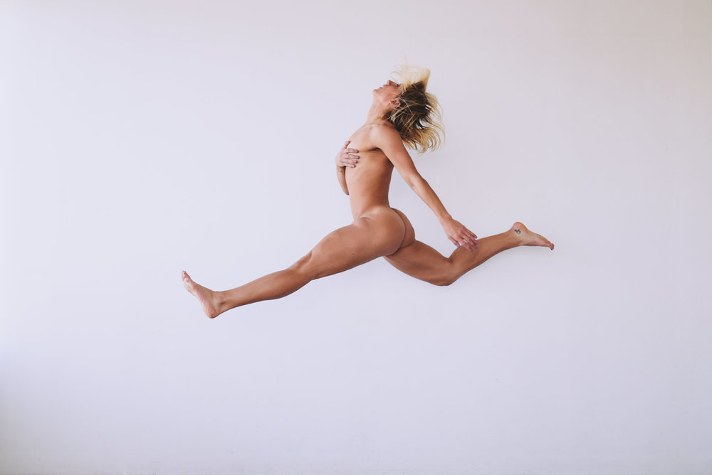 nude-fitness-model-yoga-poses-jmostudio-58.jpg