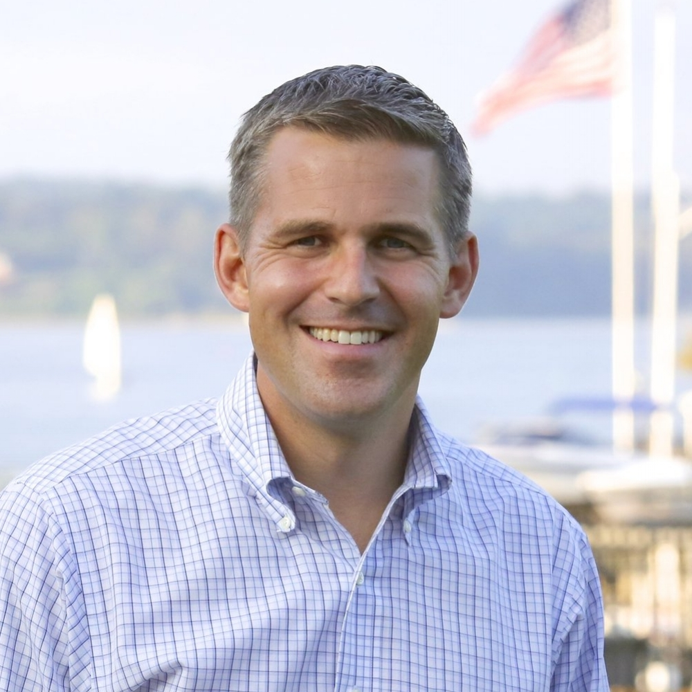 JOSH WELLE (NJ-04) - Josh is a 12-year Navy veteran fighting to advance American principles over partisan politics. At home as an entrepreneur, he's been a leader at the intersection of technology and defense. He's fighting for our environment, for smart defense policy and for a strong economy for New Jersey.