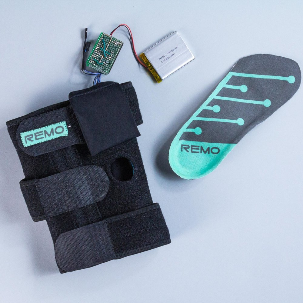 Remo.Evan Huggins & Rebeccah Pailes-Friedman - Pratt Institute. From both NYC Media Lab Combine and the Verizon Connected Futures Program, Remo is a smart knee sleeve for sports training that helps adjust movement patterns for optimal performance using biosensing and haptic feedback.