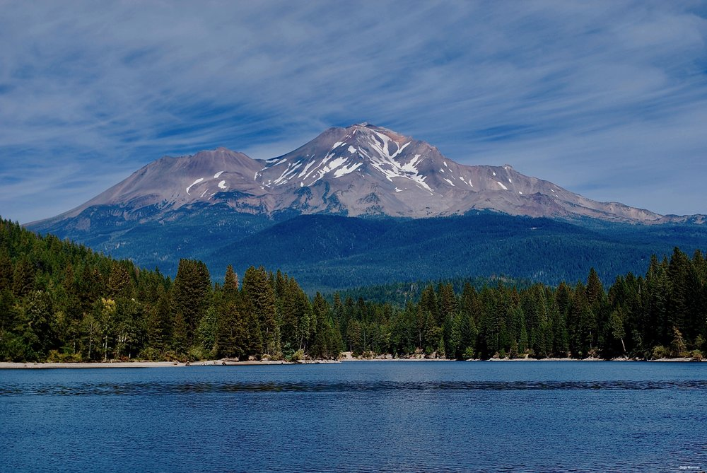 Mount Shasta California Lake Siskiyou.jpg