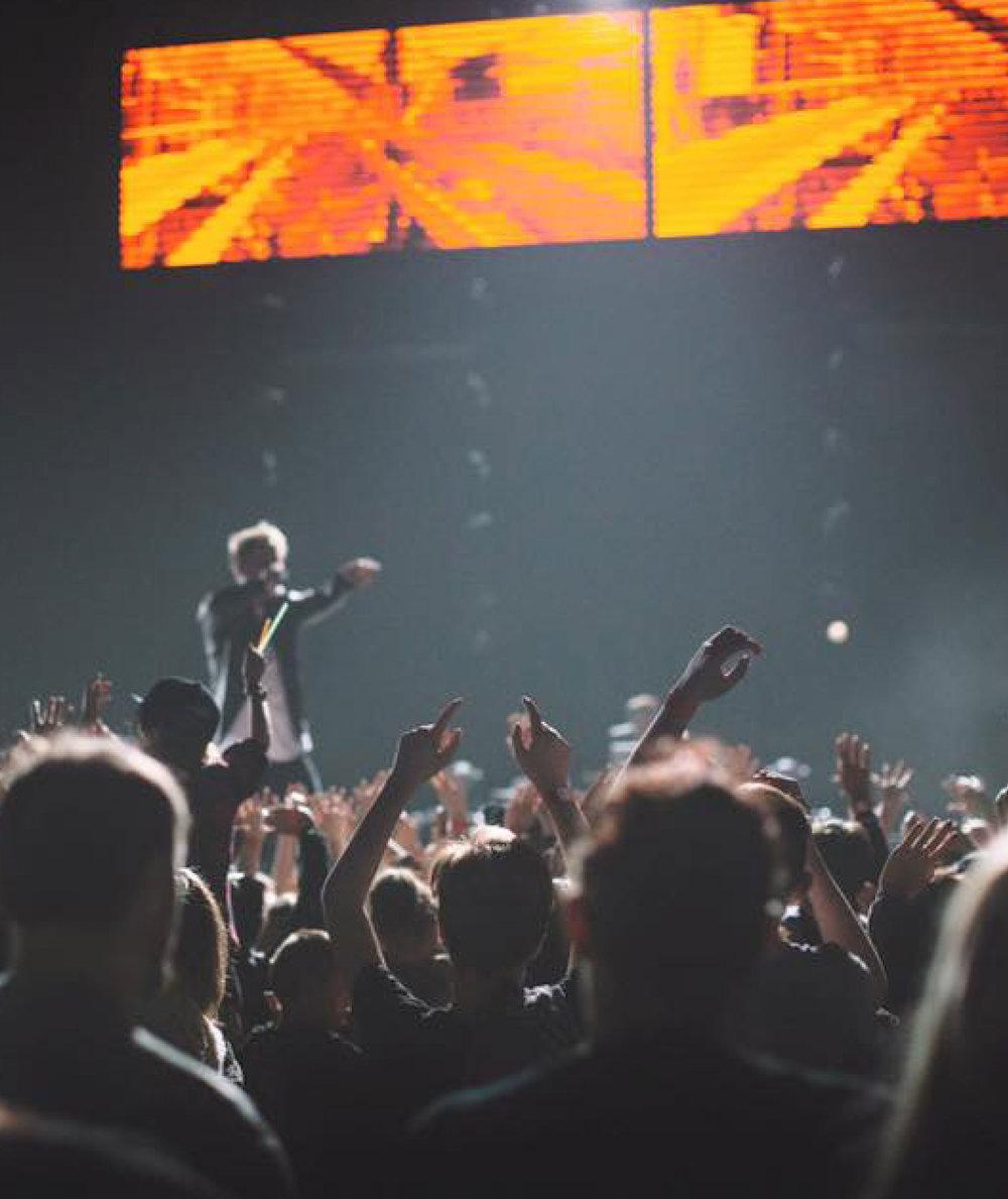 LZ7-Revolution-Tour