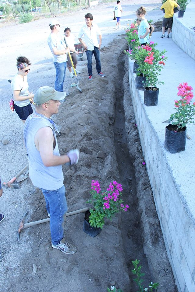 El Faro Planting.jpg