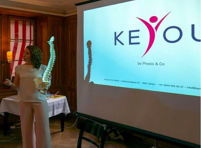 Präsentation von Áine Ní Mhuiris zum Thema Körperhaltung