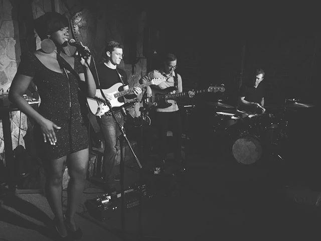 TONIGHT! Tony Lee Group!!! @delaneysjazz @fivepointssc @tonyleedrumpro . . . . . #jazz #livejazz #performance #livemusic #music #musicnight #concert #nightlife #jazzclub #jazzbar #bar #local #localbar #supportlocal #drinklocal #perfect #famouslyhot #summer #columbiasc #fivepointssc #singer #band #thirstythursday #happy