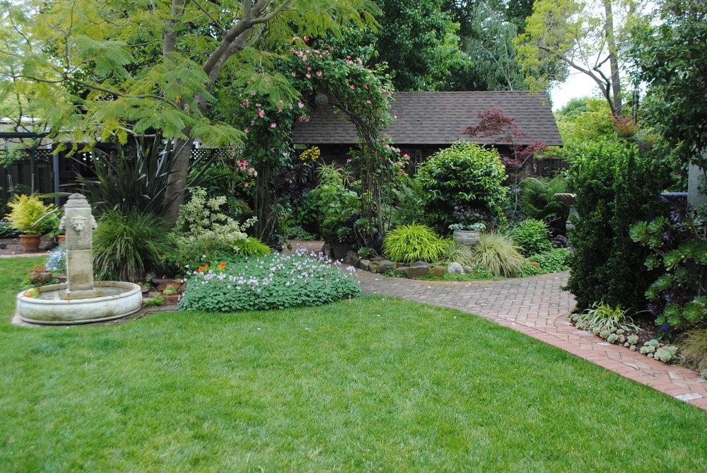 Arbor&lawn.JPG.jpeg