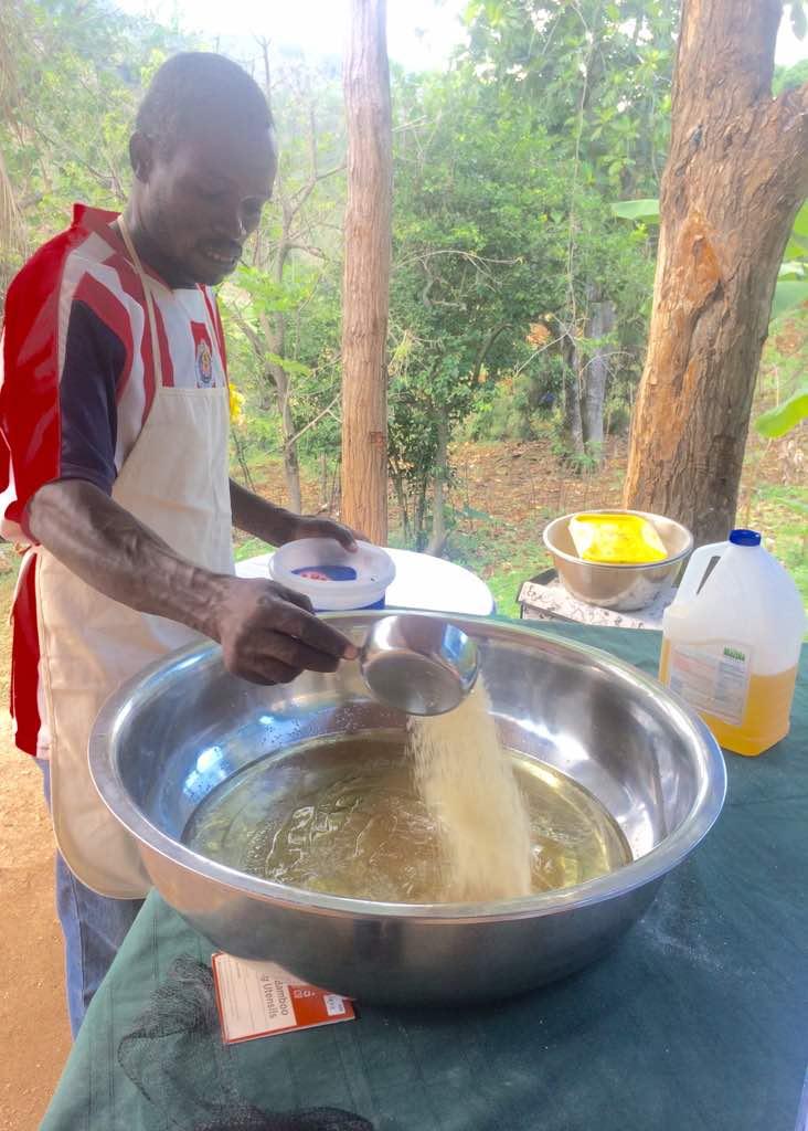 Admè Sederlio - Baker in Mare-Bizoton, Haiti