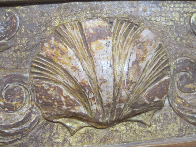 Water gilt shell -