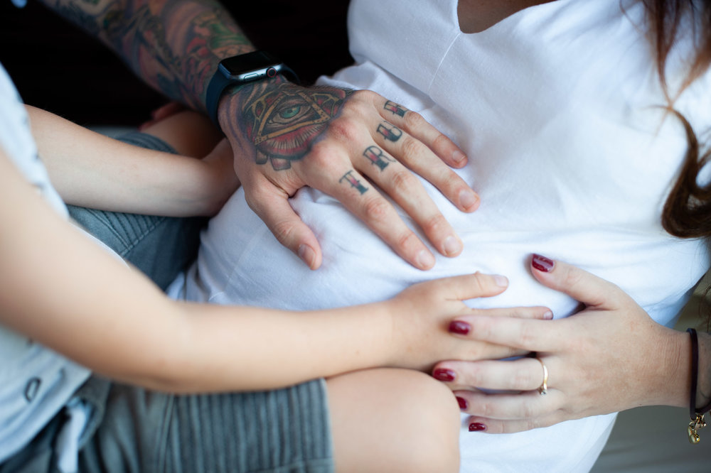 family hands on baby bump terrigal photographer