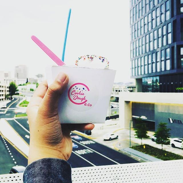 Gloomy days never gets us down... end your week on a high (sweet) note @cookiedoughandco @shoptysons & @westfieldmontgomery #gloomy #friday 📸@xxgabriel_pimentel691xx