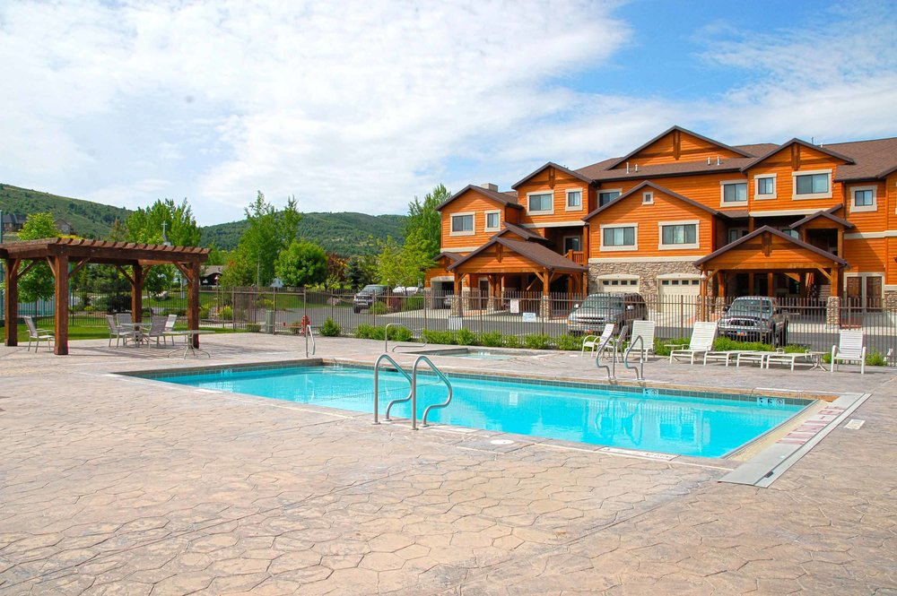 LAKESIDE RESORT As the closest lodging to Snowbasin Resort, you will enjoy a mere 10-minute drive from your condo to the Pursuit Village. Oh, and bring a swimsuit for some mountain lake fun! Lakeside Resort is on the south shore of Pineview Reservoir.Use discount code:PURSUIT2017 EXPLORE OPTIONS