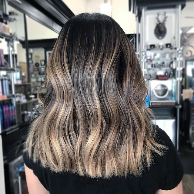 High contrast bronde, done right by @rozcorpuzhair . . #bedlambeautyandbarber #bayareahairstylist #sanjosehairstylist #brondehair #hottoolspro #behindthechair #modernsalon