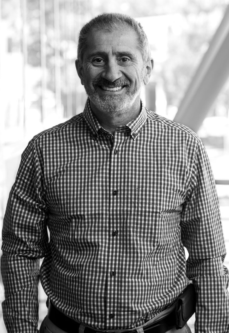 VIC PARATORE - CONSTRUCTION DIRECTOR