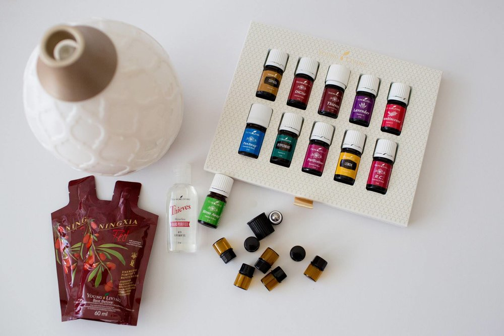 The Premium Starter kit is a great way to start using these amazing oils. You recieve 11 oils, plus a diffuser, 2 samples of our health elixir Ningxia Red & a Thieves hand sanitiser.