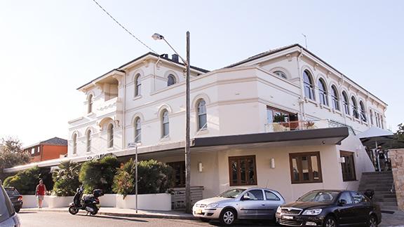 clovelly hotel - 3.jpg