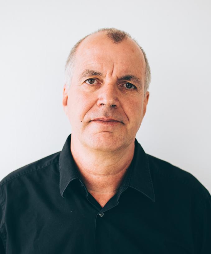 Josef SchingenPlanning Manager - Téléphone: 02421/22 59 6 -10Email:josef.schingen@monjean-transporte.com