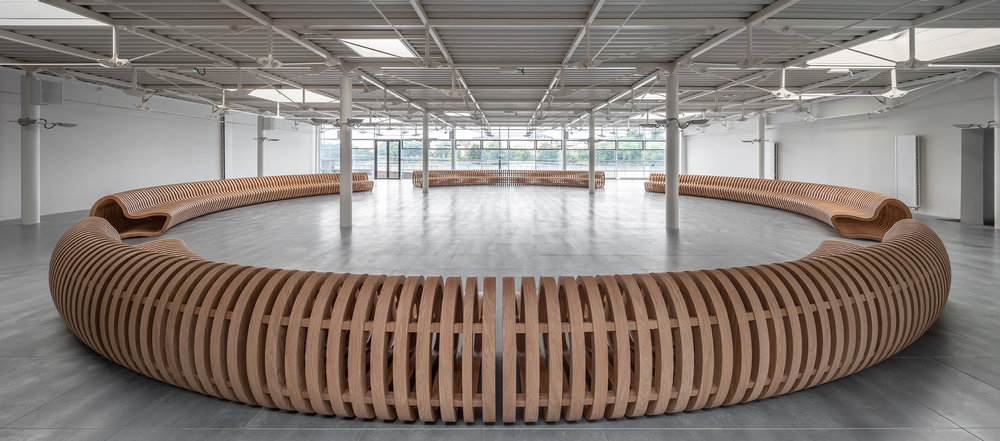CURVE Bench - Re:Centre