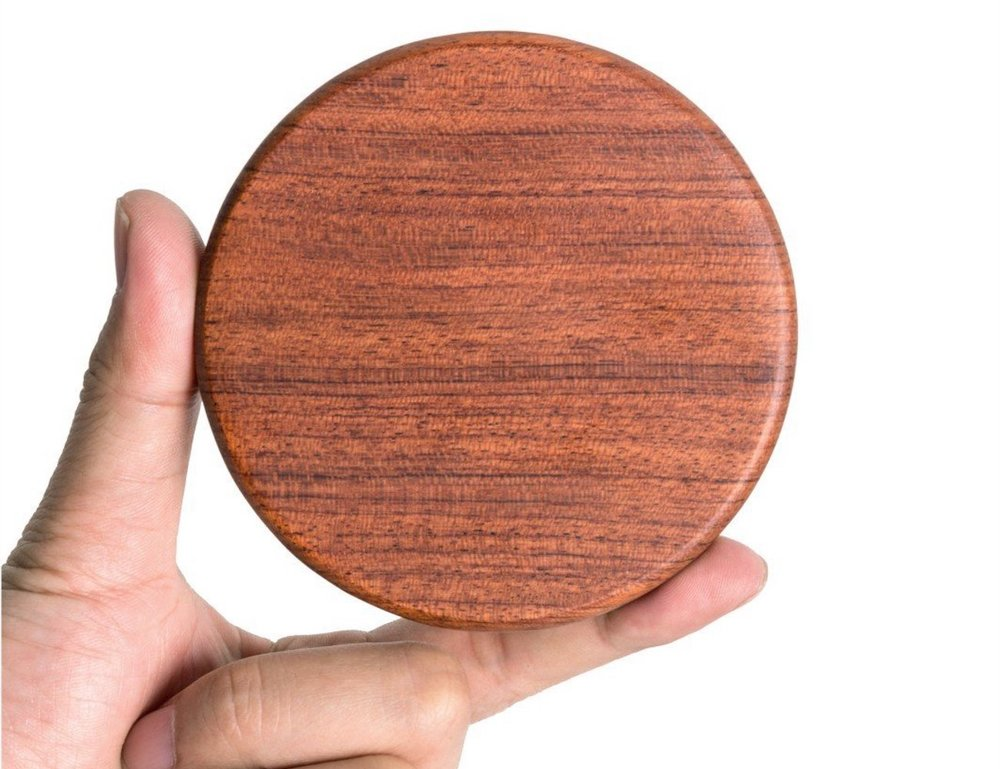 Qivv-Wooden-Wireless-Smartphone-Charger-07.jpg