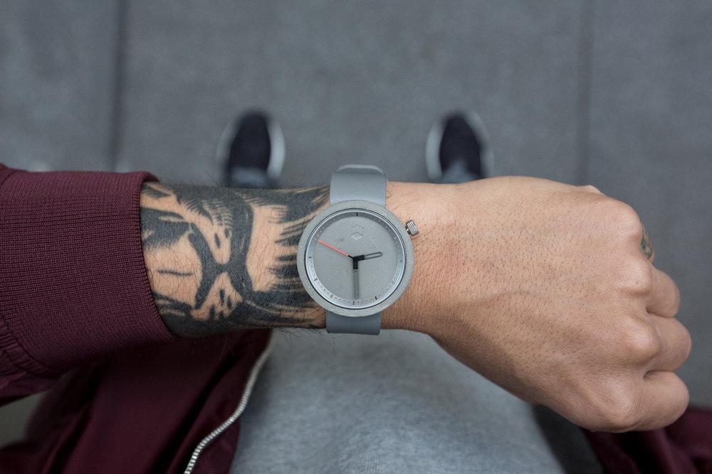 Grey_Lifestyle_3.jpg