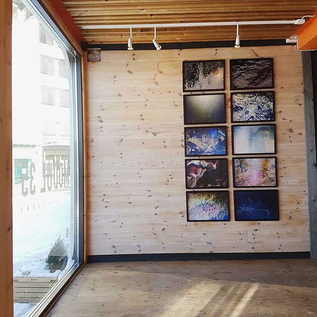 Snowy exhibition! Open inntil 17:00 #deadwater #lightninhowlinandscreamin @le_navire_night @kim_ramberghaug #photography #modul35 #photogallary