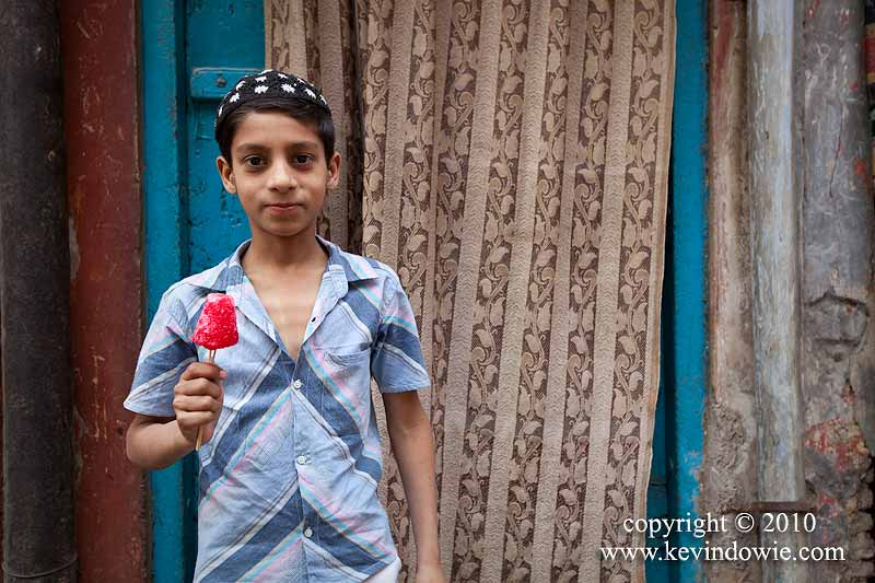 Boy with icy pole, Old Delhi