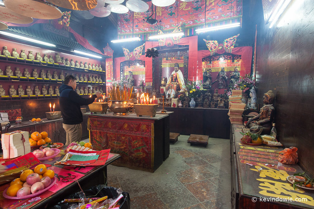 Lighting incense, Tin Hau Temple