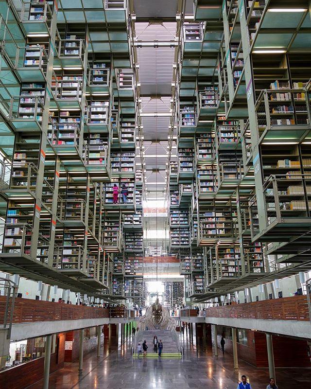 Biblioteca Vasconcelos by Alberto Kalach 💣💣📚📚 #archdaily #bonjourtristesse_cdmx #albertokalach #bibliotecavasconselos #dezeen #designboom