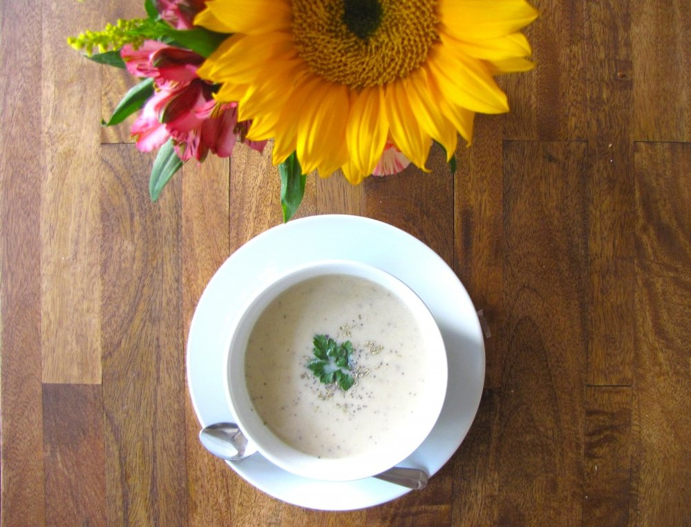 cauliflower soup, creme of cauliflower, soup, recipe, recipe of the day, vegan, gluten-free, gluten-free recipe