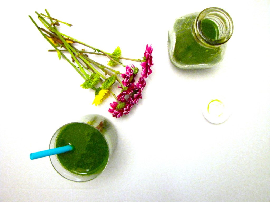 kaleaide, kale, green juice, kaleaid juice, lets regale, letsregale, healthy, recipes, green recipes, green juice recipes
